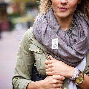 Nfinity brand scarf